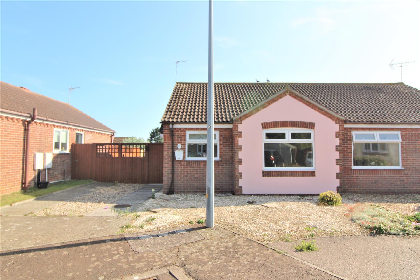 Raeburn Close, Kirby Cross, Essex, CO13 0UP